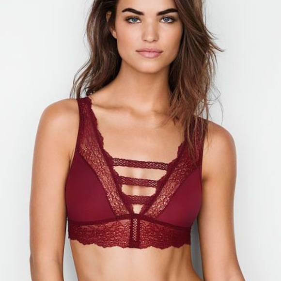 58e1a549fc Victoria s Secret Chantilly Lace Plunge Bralette. NWT